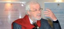 Mohamed Bennis reçoit une médaille attribuée par Mahmoud Abbas