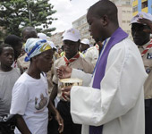 Sida :  L'Eglise africaine joue les pragmatiques