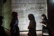 Têtes nues de femmes à la TV iranienne pendant le ramadan