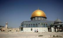 A Jérusalem, les fidèles musulmans refusent les détecteurs de métaux israéliens
