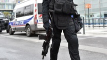 """France: Le plus grand marché aux puces d'Europe, de retour """"sous haute surveillance"""""""