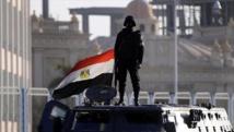 Egypte: Destruction de 10 voitures chargées d'armes et de munitions à la frontière avec la Libye