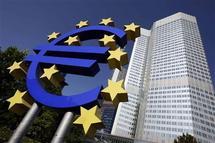 Zone euro: reprise lente en vue, fragilisée entre autres par la Grèce (FMI)