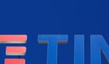 """Telecom Italia-Elliott critique le """"cynisme"""" de Vivendi"""