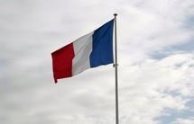 L'outrage au drapeau désormais passible d'une amende de 1.500 euros
