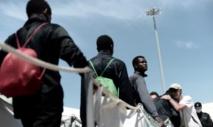 Arrivée en France de 78 réfugiés secourus par l'Aquarius