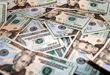 Le dollar faible pourrait pousser des pays du CCG à réévaluer leurs monnaies