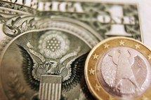 L'euro tombe sous 1,30 dollar pour la première fois depuis mi-septembre