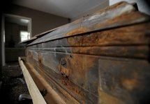 Le cercueil de l'assassin de Kennedy adjugé à plus de 87.000 dollars