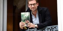France: Nicolas Mathieu remporte le Goncourt avec une fresque politique et sociale
