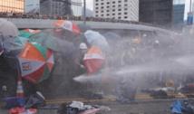 Heurts à Hong Kong, où le mouvement de protestation se durcit