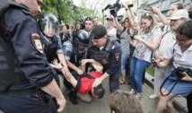 Plus de 500 manifestants interpellés à Moscou, Navalny brièvement détenu