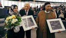 Asmaa Mahfouz et Ahmed al-Zubair Ahmed al-Sanusi