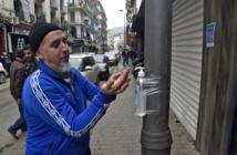 """Rues désertes à Alger, le """"Hirak"""" sous coronavirus"""