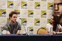 """Kristen Stewart, star de """"Twilight"""", s'excuse d'avoir trompé son compagnon"""