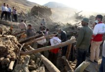 Iran: les séismes ont fait 306 morts et 3.037 blessés