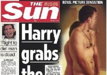 """Le Sun convainc à moitié en montrant Harry nu au nom de """"l'intérêt général"""""""