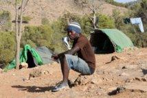 Maroc: cachés dans les bois, des migrants s'accrochent à leur rêve d'Europe