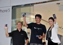 Les fans d'Apple célèbrent la sortie de l'iPhone 5
