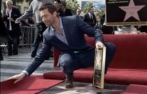 """L'acteur australien Hugh Jackman reçoit son étoile sur le """"Walk of Fame"""""""