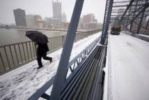 Neige aux Etats-Unis: au moins 7 morts et 1.500 vols annulés
