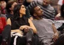 La star de télé-réalité Kim Kardashian attend un bébé
