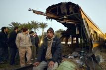 Egypte: 19 morts dans le déraillement d'un train transportant des conscrits