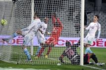 Le but contre son camp du Marseillais André Ayew face à Nancy, le 3 février 2013 au Vélodrome. AFP - Boris Horvat