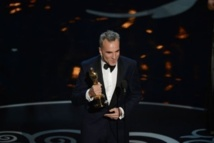 """Les Oscars sacrent """"Argo"""" et Daniel Day-Lewis"""