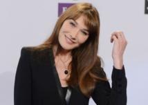 Carla Bruni: la politique s'invite dans son retour à la chanson