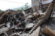 Séisme en Chine: plus de 100 morts et des milliers de blessés