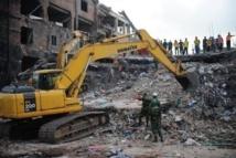 Bangladesh: le bilan de l'immeuble effondré dépasse les 500 morts