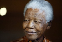 """Mandela de nouveau hospitalisé dans un état """"préoccupant mais stable"""""""