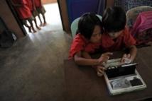 Thaïlande: une tablette par élève, gadget ou progrès?