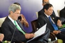 Etats-Unis: Kerry met en garde contre une crise budgétaire prolongée