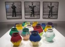 Il brise un vase d'un million de dollars en guise de protestation contre l'exposition de l'art étranger