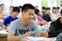 """Chine: 9 millions de lycéens passent """"le plus grand examen du monde"""""""