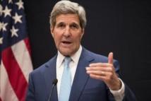 Irak: John Kerry arrive à Bagdad, 23 détenus tués dans une attaque