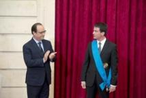 Hollande décore Valls, ironise sur Clemenceau et la présidentielle
