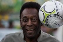 Brésil: Pelé hospitalisé pour des maux d'estomac