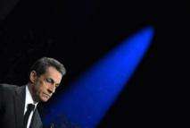 """La presse dénonce l'""""opportunisme"""" de Sarkozy pour qui """"l'UMP vaut bien une abrogation"""""""