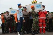 Crash d'AirAsia: les recherches se concentrent dans les fonds marins
