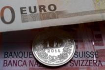 La Suisse laisse s'envoler son franc et provoque une tempête financière