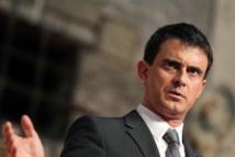 """Croissance: Valls pense que 2015 permettra de """"retrouver l'espoir"""""""
