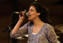 """Souad Massi chante une """"face cachée du monde arabe"""": ses poètes"""