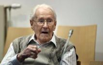 """Jugé en Allemagne, l'ex-comptable d'Auschwitz demande """"pardon"""""""