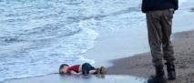 """""""Mes enfants m'ont glissé des mains"""", raconte le père du petit Syrien mort noyé en Turquie"""