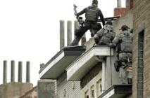 Attentats de Paris: deux suspects inculpés en Belgique, pas de trace de Salah Abdeslam
