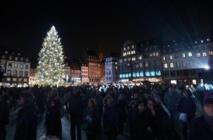 Attentats: Strasbourg maintient son marché de Noël