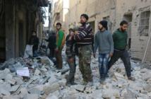 Syrie: des milliers de civils fuient Alep vers la Turquie